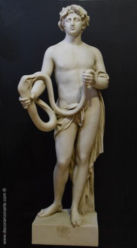 Escultura de Baco serpentario