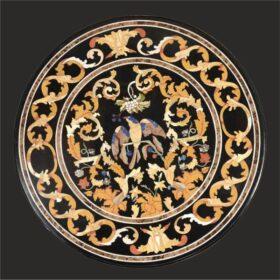 Plateaux de table en mosaïque florentine et ornements en pierre dure