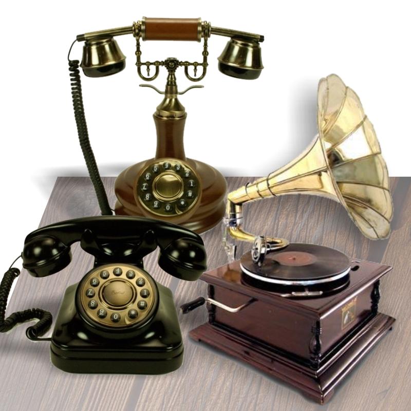Gramophones et vieux téléphones